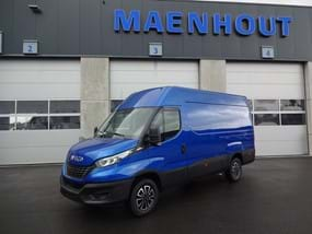 Blauwe IVECO Daily