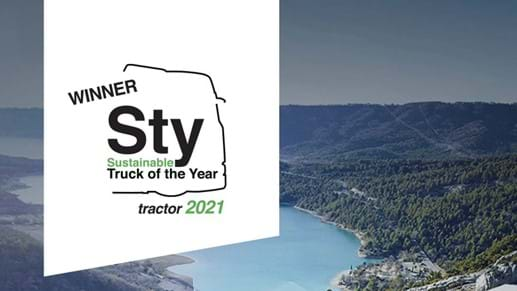 IVECO S-Way NP 460 LNG wint Sustainable Truck of the Year 2021 award